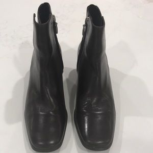 Cole Haan boots size 6 1/2